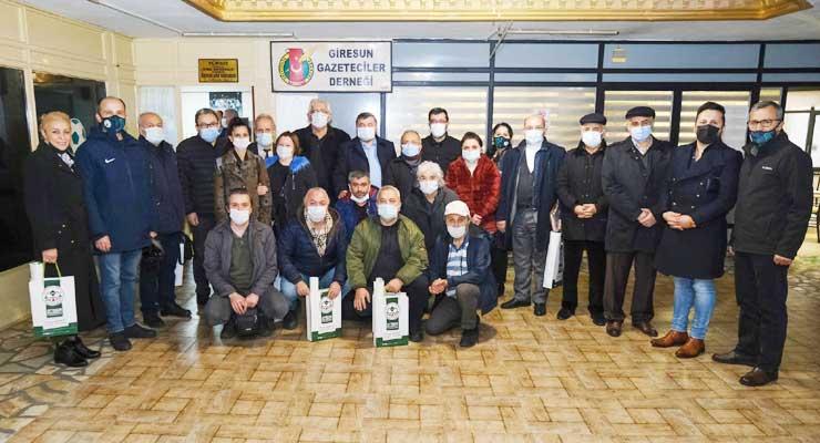 Şenlikoğlu gazetecilerle buluştu