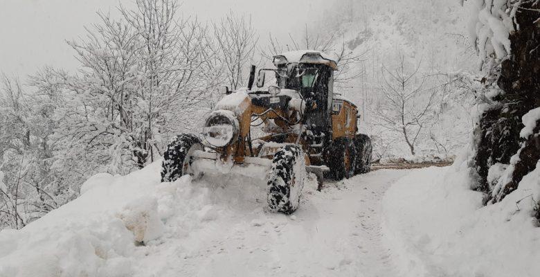 Giresun'da karla mücadele sürüyor