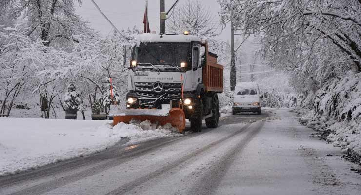 Giresun Belediyesi kar mesaisinde