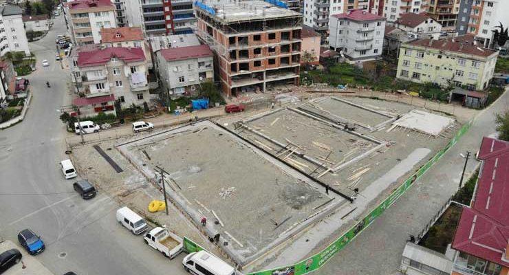 Semt sahalarının yapımına başlandı